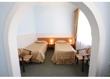 Люкс 2-местный 2-комнатный корп.Центральный Санаторий Шахтер Ессентуки
